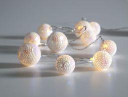 Ljusslinga Flake bollar vit 1,35m