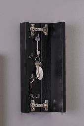 Agda nyckelskåp svartbets