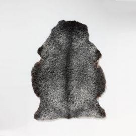 Fårskinnsfäll Gotländskt pälsfår nyklippt mörkgrå