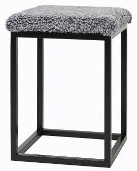 Fårskinnspall Palle S grå/svart 35x50cm Skinnwille