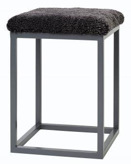 Fårskinnspall Palle S mörkgrå 35x50cm Skinnwille