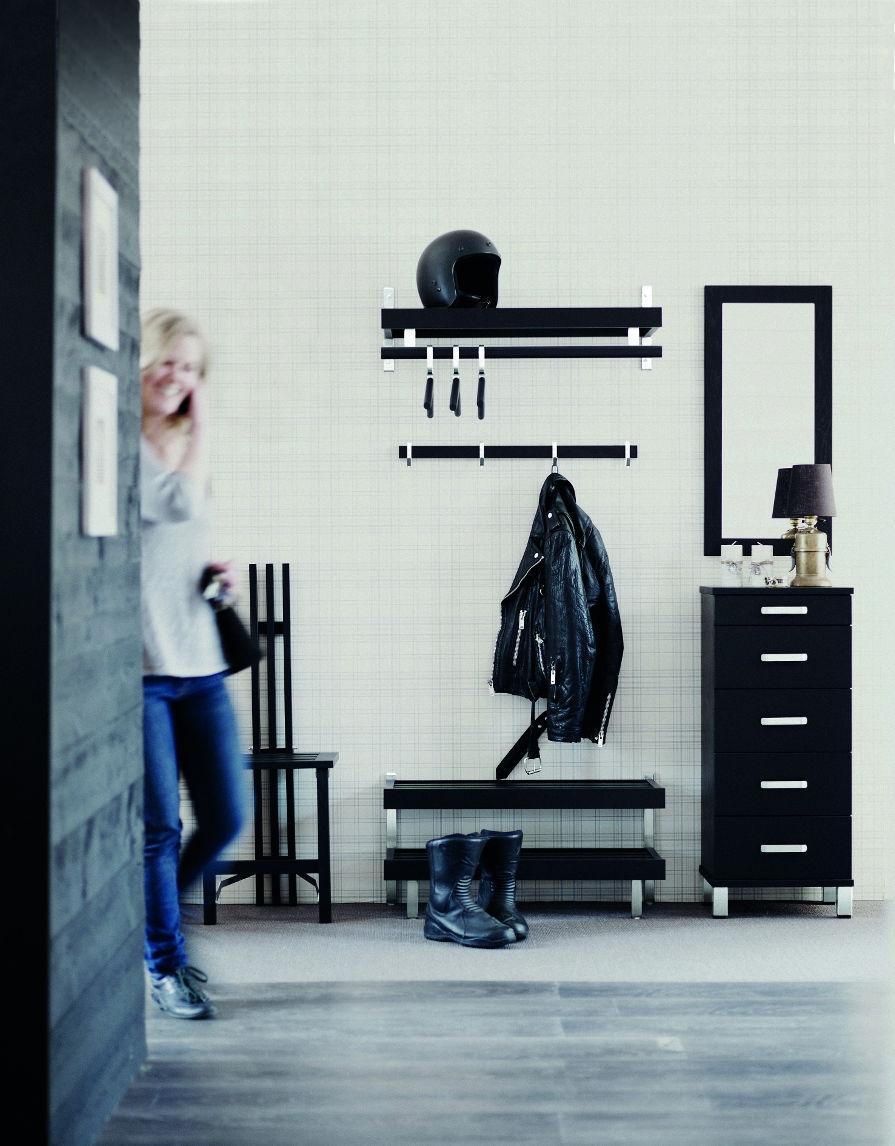 Hallmöbler i svart ek. Mycket fina hallmöbler. Inspirationsbild.